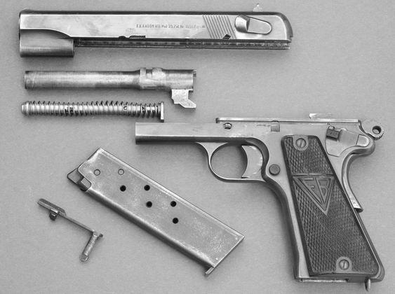 Pistolet Vis wz. 35 częściowo rozłożony